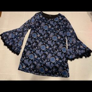 Floral Bell Sleeve with lace Shift Dress